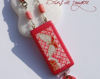 Pink butterfly necklace in bamboo and washi paper