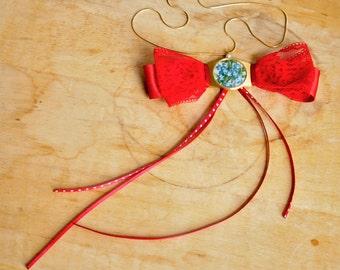 Garance, bowtie necklace