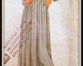 Vogue 2641 American Designer  Albert Nipon  1970's  14 Or 16
