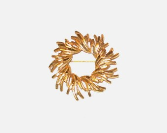 1960's Gold-tone Brooch - Vintage Costume Jewelry