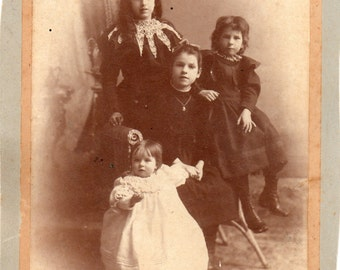 Antique Photo of 4 Girls