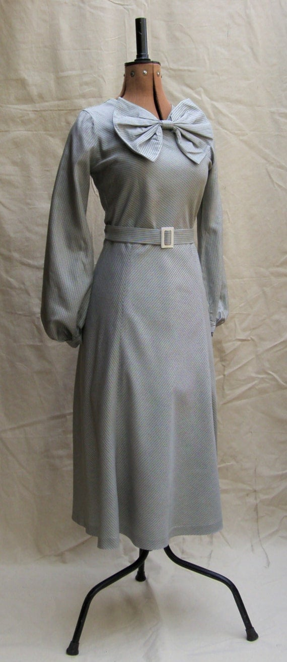 1930s Style Fashion Dresses Vintage Reproduction 1930s 30s 40s 1935 Silver Grey Checked Rayon Day Dress Balloon Sleeves Big Bow $222.56 AT vintagedancer.com
