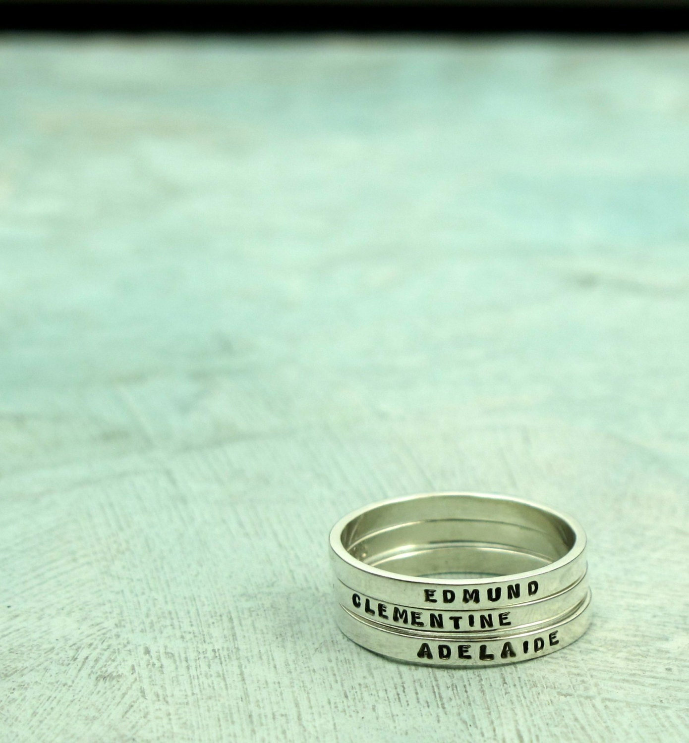 mothers rings personalized ring with your child 39 s name in. Black Bedroom Furniture Sets. Home Design Ideas
