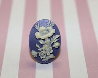 SALE Medium Purple Hibiscus Flower Cameo Ring