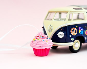 CAR MIRROR CHARM - mini fake  cupcake