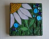 """Daisy Mosaic Wall Hanging """"Lazy Daisy"""""""