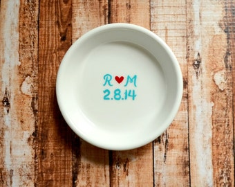 Engagement Gift Ring Dish - Couple's Initials and Wedding Date Engagement Ring Holder
