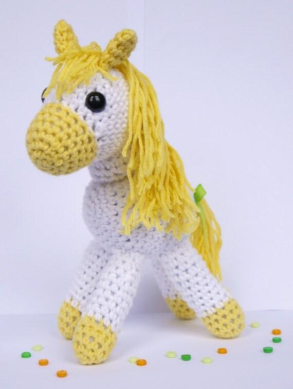 Amigurumi Cotton Yarn : Amigurumi Crochet Pony. Yellow and White Cotton Yarn. Perfect