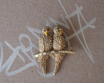 Pair of Parrots Rhinestone Pin 40s Vintage