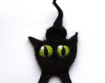 Felted cat brooch, needle felted wool cat pin, black with green eyes, cat lover gift, cat lady brooch