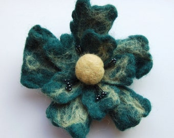 Felted flower brooch, wet felted wool flower, felted jewelry, seagreen and sand, felt flower hair clip, gifts for her, jewellery