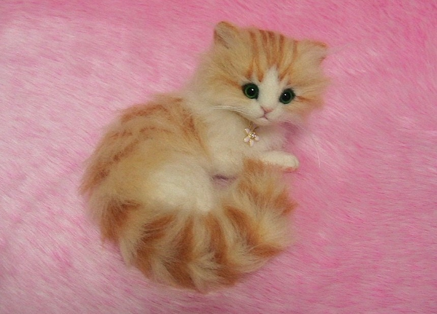 Needle Felted Cute Fluffy Kitten: Miniature Wool Felt Cat Fluffy Teacup Kittens
