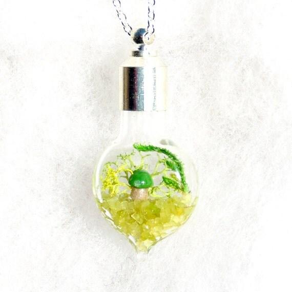 Garden Necklace, Cute Jewelry, Moss Terrarium Necklace, Nature necklace, Bridesmaid Gift, Lost World Mini Terrarium Necklace - Microgreens