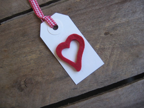 Red Heart Gift Tags, Set of SIX, Felt Heart Tag, Treat Sack Tag, Wedding Gift Tag, Valentines Day Tag, Heart Gift Tag SnowNoseCrafts
