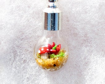 Moss Terrarium, Terrarium Pendant Necklace, Mini Terrarium Necklace, Woodland, Terrarium Glass Bowl, Ecosystem Pendant