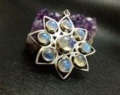 Vintage Sterling Silver Beautiful Moonstone Snowflake Pendant