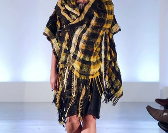 Bumble, a LArge Wrap in yellow and black