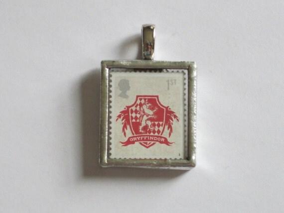 Postage Stamp Pendant - Harry Potter - Gryffindor