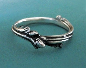 Twig Wedding Ring in Sterling Silver - Oak Twig Branch Wedding or Stacking Ring