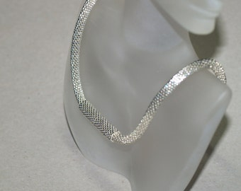 UnderCover Silver ... Choker . Necklace . Bead Crochet . Unisex . Galvanized . Metallic . Magnetic Clasp . Modern . Stylish . Elegant . Chic