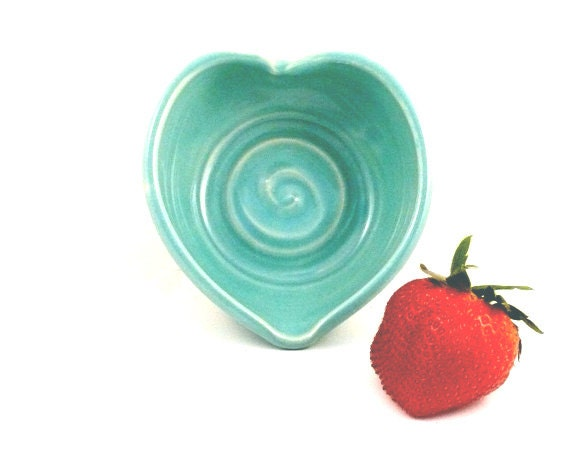 Heart Trinket Bowl, Ceramic jewelry dish, under 25 stocking stuffer Ring Dish, Bridesmaid gift wedding favors, Wedding Something Blue