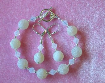 Frosted Dragon Vein White Bracelet and Earring Set