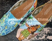 Old Hawaiian hand painted TOMS turtles hula tiki hibiscus geckos ukeleli TOMS included with bling too