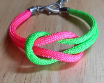 Sale, Beach Stone Jewelry - Nautical Sailor's Knot Bracelet -  Para Cord Love Knot - KNOTICAL KNOTION