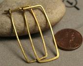 Handmade hammered solid brasr rectangle hoop, one pair (item ID LEB12G18)