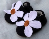 Sweet Little Flower Wool Baby Slippers Size 0-6 months old made from recycled materials