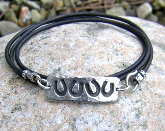 Horse Shoe Wrap Bracelet, Horse Jewelry, Deep Dark Brown Leather, Hammered Link, Lucky Horseshoes