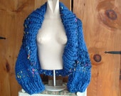 Super chunky knit shrug shawl collar cardigan sweater long sleeves women medium large in royal blue with coloured highlights