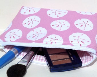 Makeup Bag/Zippered Pouch Padded Flat Bottom Round Top Pink Sand dollars