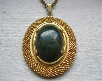 SALE/ Vintage stone pendant necklace