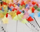 150 Pc 5x9mm Teeny Frosted Flower Beads Tiny Acrylic Flowers