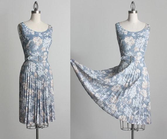 Floral Sun Dress 1970s Vintage Floral Print Full Skirt Day Dress
