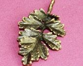 6 pcs of antique brass leaf pendant 31x19mm
