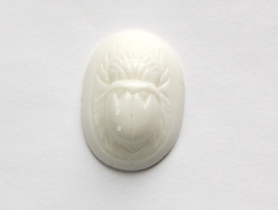 Vintage White Raised Scarab Glass Cabochon Japan 25x18mm (1) cab319E