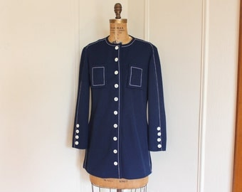 1960s Nautical Blazer, vintage Lightweight Jacket -  preppy Navy Blue with MOD White Stitching - Butte Knit - size medium to large. m/l