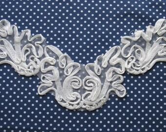 1 Vintage White Lace Applique