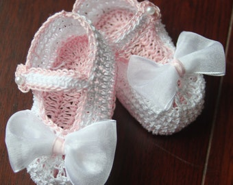 Crochet Newborn Baby Girl Booties Infant Crib Shoes with Bow Crochet Baby Mary Janes Baptism Baby Shoes Christening Booties Reborn Shoes