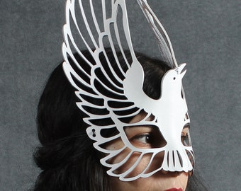 Raven leather mask in white