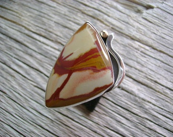 Distinctive Owyhee Jasper Cocktail Ring in Sterling Silver with a touch of Gold - Size 8.75
