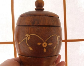 Vintage Wooden Container with lid and bone or ivory inlay pattern