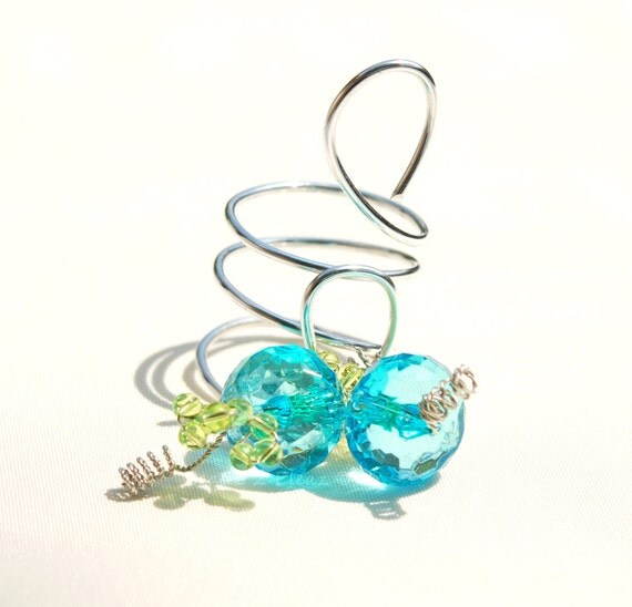 Wine bottle decoration favor silver bling blue green abstact wire swirls beads wedding reception table settings wedding table decor set of 2