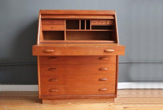 danish teak dyrlund modern tambour roll top desk vanity. Black Bedroom Furniture Sets. Home Design Ideas