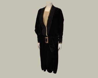 20s dress / Vintage 1920's Black Velvet Drop Waist Big Buckle Dress