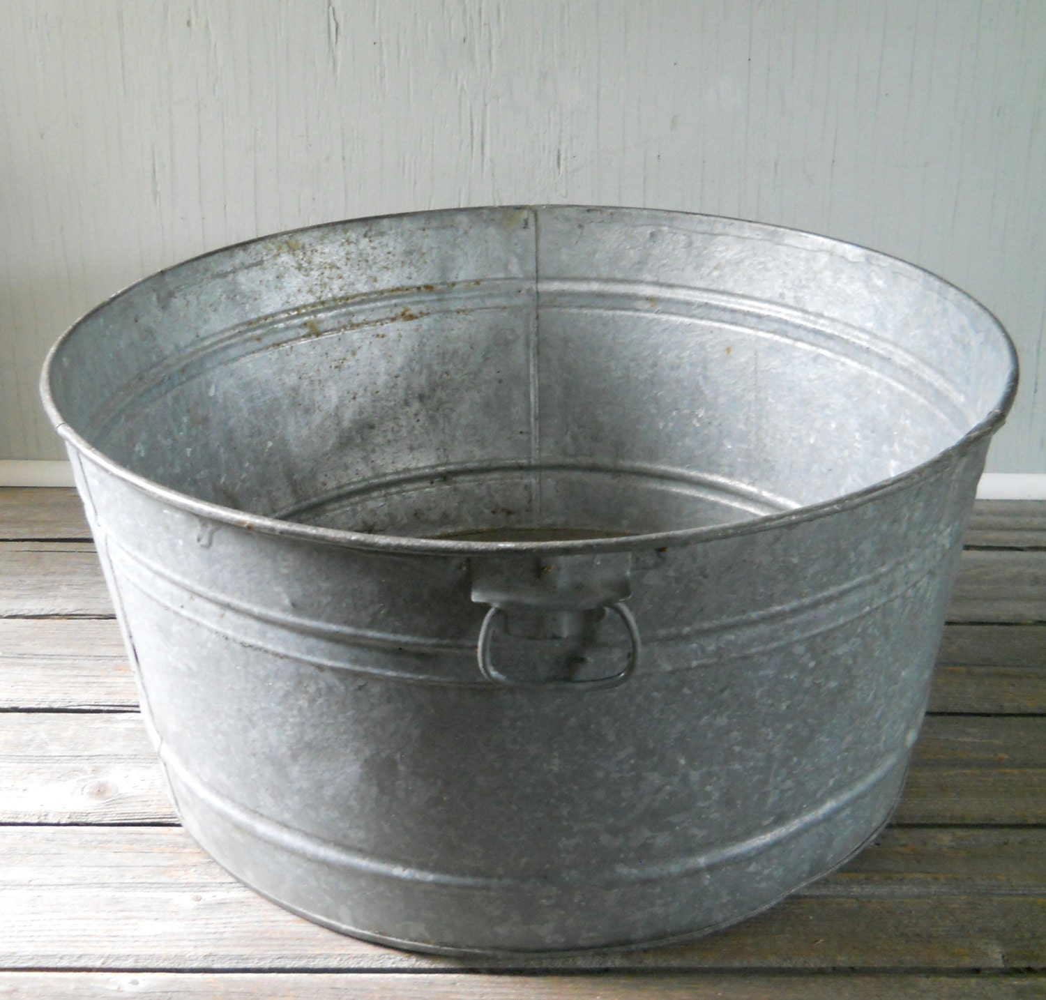 Vintage Galvanized Wash Tub Round
