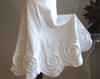 Skirt with rosettes in milk white, prairie bride skirt, wedding skirt, summer wedding skirt, boho skirt, made to order