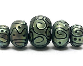 Five Graduated Green Pearl Surface w/Black Rondelle Beads - Handmade Glass Lampwork Beads - 11203811